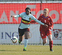 20180221 - TUBIZE , BELGIUM : Belgian Esther Buabadi (L) and Czech Republican Aneta Buryanova (R) pictured during the friendly female soccer match between Women under 17 teams of  Belgium and Czech Republic , in Tubize , Belgium . Wednesday 21th February 2018 . PHOTO SPORTPIX.BE DIRK VUYLSTEKE