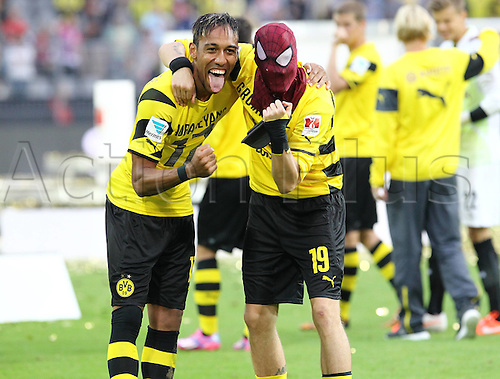 13.08.2014. Dortmund, Germany.  DFB Supercup final. Bayern Munich versus Borrusia Dortmund at the  Signal-Iduna-Park Stadion. Pierre-Emerick Aubameyang (BVB) and Kevin GroBkreutz (BVB)  with Spiderman-Mask