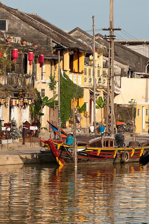 Hoi An Fishing Boat 02 - Fishing boat on the Thu Bon river, Hoi An, Viet Nam