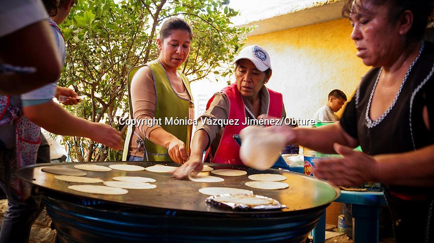 Querétaro, Qro. 27 de septiembre de 2015.-En la plaza de la barbacoa en Boye se pueden encontrar a los principales vendedores del pueblo y en donde el sabor de la barbacoa difiere segun la preparación y la experiencia de los mismos.