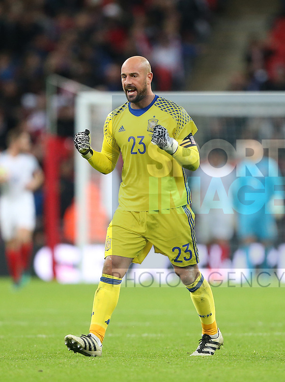 Spain's Pepe Reina celebrates his sides second goal during the friendly match at Wembley Stadium, London. Picture date November 15th, 2016 Pic David Klein/Sportimage