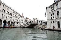 Una veduta del Ponte di Rialto.<br /> A view of Rialto Bridge in Venice.<br /> UPDATE IMAGES PRESS/Riccardo De Luca