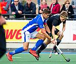UTRECHT - Sander de Wijn (Kampong) met Pelle Vos tijdens de hoofdklasse  hockeywedstrijd heren, Kampong-HGC (3-3) . COPYRIGHT KOEN SUYK