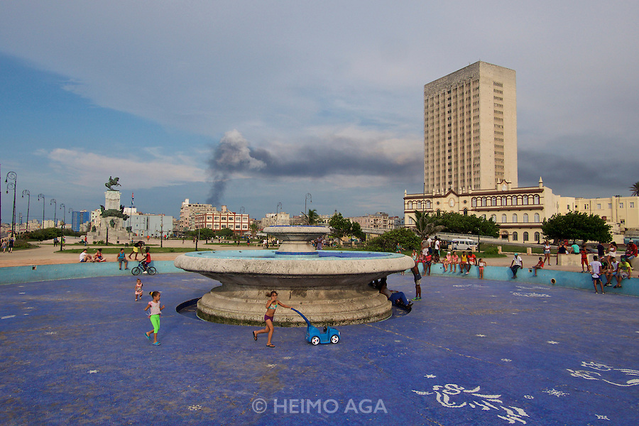Havana, Cuba. A fountain at the Malecon, the famous waterfront..
