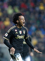 Calcio, Serie A: Frosinone vs Juventus. Frosinone, stadio Comunale, 7 febbraio 2016.<br /> Juventus&rsquo; Juan Cuadrado celebrates after scoring during the Italian Serie A football match between Frosinone and Juventus at Frosinone's Comunale stadium, 7 January 2016.<br /> UPDATE IMAGES PRESS/Isabella Bonotto