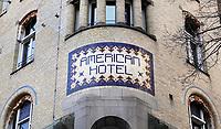 Nederland - Amsterdam -  Februari 2019. Exterieur van het American Hotel. Het hotel wordt omgevormd tot Hard Rock Hotel. Het American Hotel is een hotel in Jugendstil stijl. In het hotel met zijn beroemde Café Americain bevindt zich de oudste leestafel van Amsterdam. Het hotel wordt vaak simpelweg het Americain genoemd.   Foto Berlinda van Dam / Hollandse Hoogte