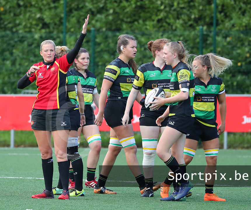 20190928 - Neder Over Hembeek, BELGIUM : Referee and the Dendermonde's players are pictured during the female rugby match between the Dendermonde RC Women  and AAC Amsterdam Rugby Women, this is the final of the BeNeCup  on Saturday 28th September 2019 at the Nelson Mandela Stadium , Belgium. PHOTO SPORTPIX.BE | SEVIL OKTEM