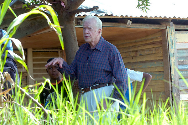 Visita a la Republica Dominicana en la provincia de Dajabon frontera con Haiti del expresidente de los Estados Unidos de Norte America Jimmy Carter..Lugar:Dajabon.Foto:Cesar de la Cruz.Fecha:.