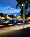 Amsterdam, 20 augustus 2008<br /> Philips LED-straatarmaturen langs de Amstel en Stadhuis/Opera.<br /> Foto Felix Kalkman