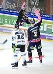 06.10.2019, Mercedes Benz Arena, Berlin, GER, 1.DEL, EISBAEREN BERLIN  VS.  Straubingen Tigers, im Bild <br /> 4: 1 durch Louis-Marc Aubry (Eisbaeren Berlin #41), Frank Hoerdler (Eisbaeren Berlin #7), <br /> T.J. Mulock (Straubingen Tigers #15)<br /> <br />      <br /> Foto © nordphoto / Engler
