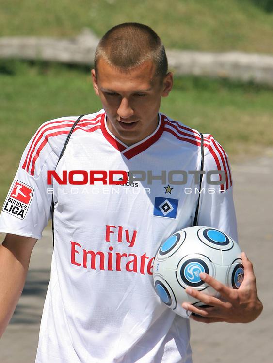 1.Liga FBL 2009/2010 HSV-Trainingsvorbereitung <br /> <br /> <br /> Robert Tesche (Nr.13) Neueinkauf von Arminia Bielefeld beim Training.<br /> <br /> <br /> <br /> Foto &copy; nph (nordphoto)<br /> <br /> *** Local Caption ***