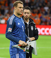 Torwart Manuel Neuer (Deutschland Germany) und Mark Uth (Deutschland Germany) - 13.10.2018: Niederlande vs. Deutschland, 3. Spieltag UEFA Nations League, Johann Cruijff Arena Amsterdam, DISCLAIMER: DFB regulations prohibit any use of photographs as image sequences and/or quasi-video.