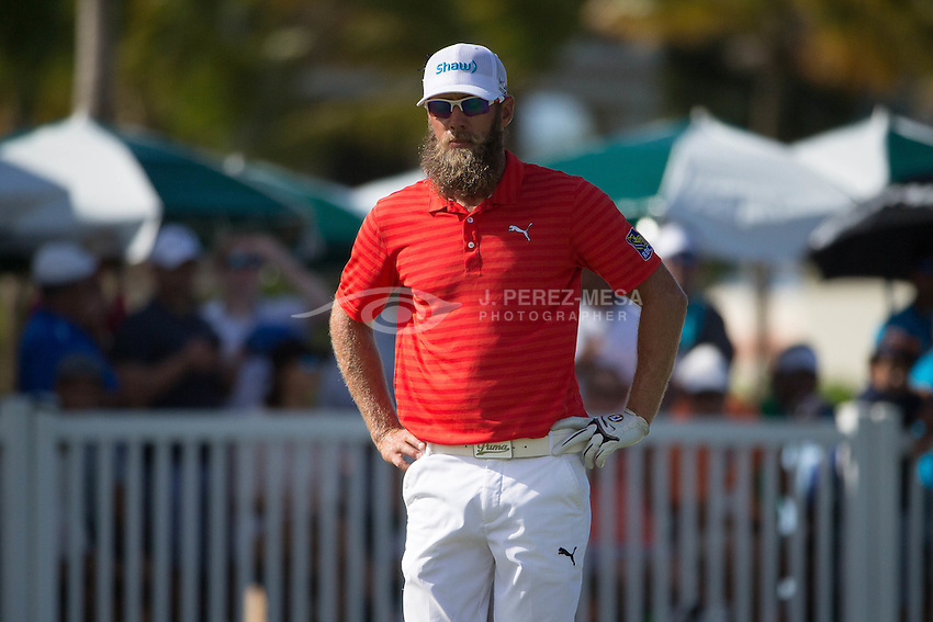 Graham DeLaet (born 22 January 1982) is a Canadian professional golfer who plays on the PGA Tour.