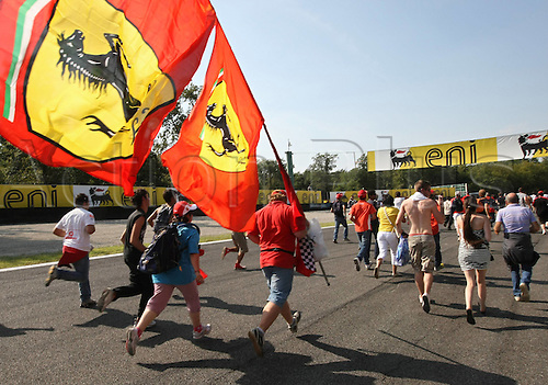 12 09 2010   Formula 1 GP from Italy Monza Italy 12 Sep 10 motor aviation Formula 1 Grand Prix from Italy Autodromo Nazionale Picture shows Ferarri supporters