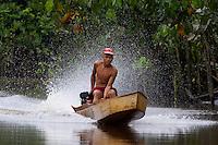 Ribeirinhos.<br /> Rio Aurá.<br /> Belém, Pará, Brasil<br /> Foto Paulo Santos<br /> 19/03/2013