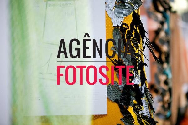 São Paulo, Brasil – 12/06/2010 - Backstage da grife Jefferson Kulig durante o São Paulo Fashion Week  -  Verao 2011. Foto : Rafael Canas / Ag. Fotosite