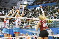 OSASCO, SP, 01.12.13 - CAMPEONATO PAULISTA DE V&Ocirc;LEI 2013 - FINAL - Thaisa e Sheilla, jogadoras do Molico/Osasco, <br /> durante partida contra o Sesi/SP, v&aacute;lida pela final do Campeonato Paulista de V&ocirc;lei 2013, no Gin&aacute;sio Jos&eacute;<br /> Liberatti, na cidade de Osasco/SP. Foto: Geovani Velaquez / Brazil Photo Press