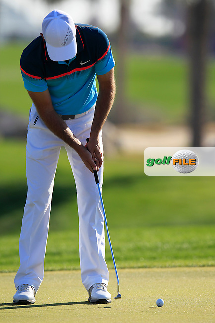 Charl Schwartzel (RSA) putts on the 10th green during Thursday's Round 2 of the 2015 Commercial Bank Qatar Masters held at Doha Golf Club, Doha, Qatar.: Picture Eoin Clarke, www.golffile.ie: 1/22/2015