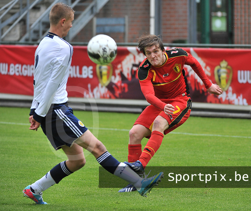 Scotland U19 - Belgium U19 : Thomas Foket (7) and Mark O'Hara (left).foto DAVID CATRY / Nikonpro.be