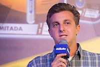 SAO PAULO, SP, 04.11.2013. LANCAMENTO GILETTE - AYRTON SENNA.  o apresentador Luciano Huck , durante o lançamento do novo aparelho de barbear da marca Gilette em homenagem ao piloto Ayrton Senna. (foto: Adriana Spaca/brazil photo press)