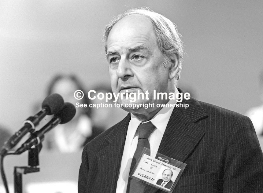 Lord Derek Ezra, Life Peer, Liberal Party, UK, speaking, annual conference, 19860913DE3<br /> <br /> Copyright Image from Victor Patterson, 54 Dorchester Park, Belfast, UK, BT9 6RJ<br /> <br /> Tel: +44 28 9066 1296<br /> Mob: +44 7802 353836<br /> Voicemail +44 20 8816 7153<br /> Skype: victorpattersonbelfast<br /> Email: victor@victorpatterson.com<br /> Email: victorpatterson@me.com (back-up)<br /> <br /> IMPORTANT: If you wish to use this image or any other of my images please go to www.victorpatterson.com and click on the Terms &amp; Conditions. Then contact me by email or phone with the reference number(s) of the image(s) concerned.