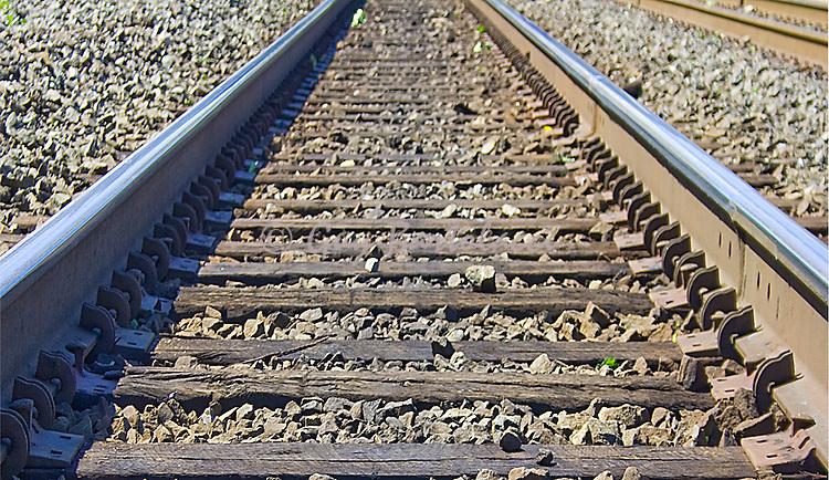 Easton Tracks