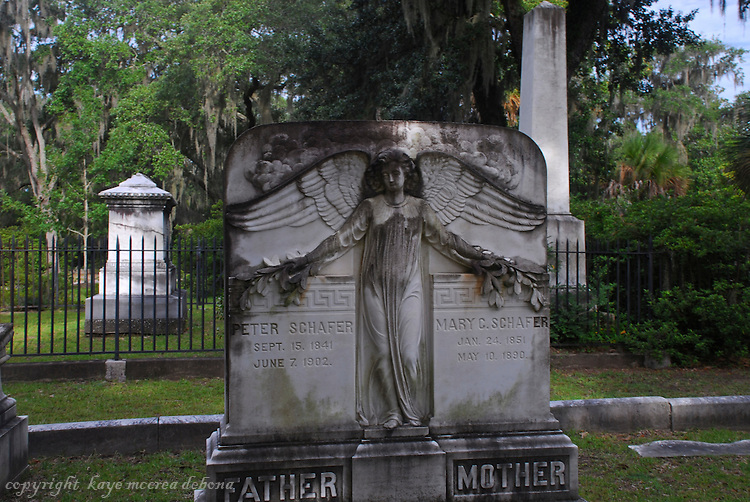 Savannah's Bonaventure Cemetery monuments