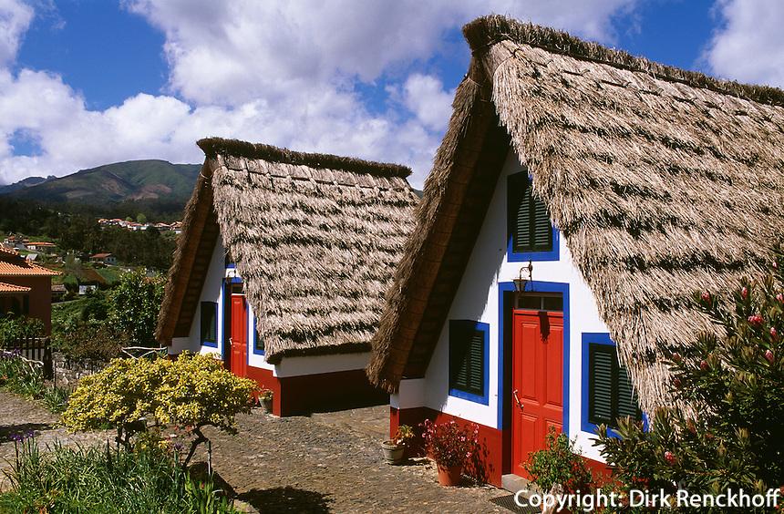 Casa de Colmo (Strohdachhaus) in Santana, Madeira, Portugal