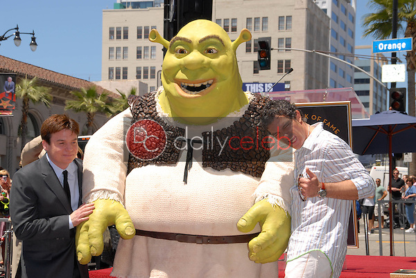 Mike Myers and Antonio Banderas<br /> at the induction of Shrek into the Hollywood Walk of Fame, Hollywood, CA. 05-20-10<br /> David Edwards/DailyCeleb.Com 818-249-4998