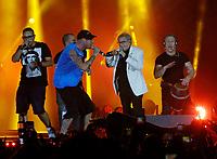 Nino D'Angelo festeggia i suoi 60 anni con un concerto nello stadio San Paolo di Napoli<br /> con Clementino e Rocco Hunt