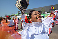 BARRANQUILLA-COLOMBIA- 26-02-2017: Gran Parada, Desfile Tradición del carnaval 2017. Carnaval de Barranquilla 2017 invita a todos los colombianos a contagiarse del Jolgorio general de una de las festividades más importantes del país y que se lleva a cabo del 9 hasta el 28 de febrero de 2016. / Gran Parada, Tradicion parade of the Carnaval 2017. Carnaval de Barranquilla 2017 invites all Colombians to catch the general reverly that make it one of the most important festivals of the country and take place until February 28, 2017.  Photo: VizzorImage / Alfonso Cervantes / Cont
