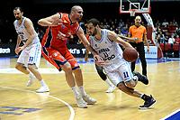 GRONINGEN -  Basketbal, Donar - New Heroes Den Bosch, Martiniplaza, Dutch Basketbal League, seizoen 2018-2019,  26-01-2019, Donar speler Shane Hammink met Den Bosch speler Nick Oudendag