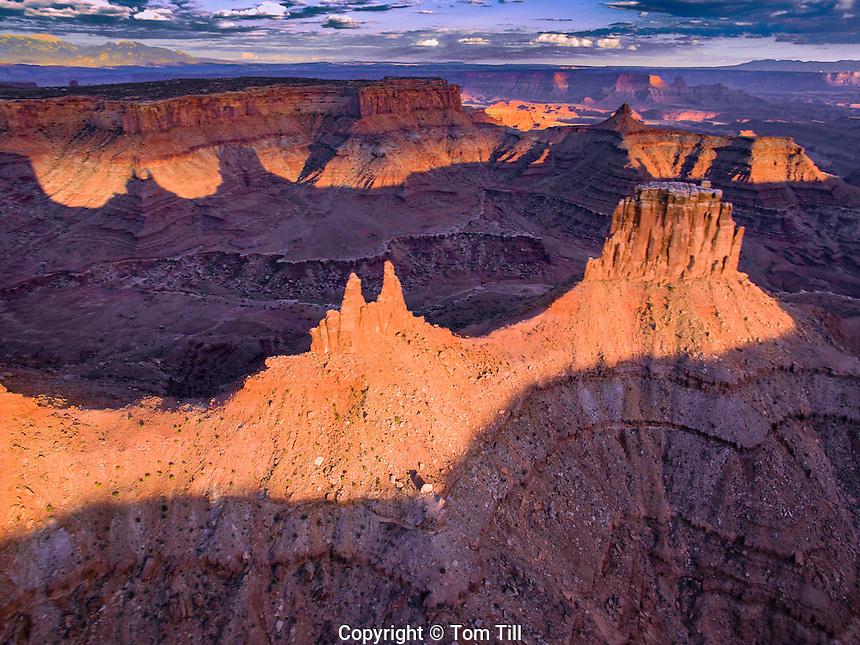 Viewa above Marlboro Point,  Canyonlands National. Park, Utah, Crows Head and Birds Eye Buttes, Shafer Canyon