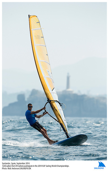 20140912, Santander, Spain: 2014 ISAF SAILING WORLD CHAMPIONSHIPS - More than 1,250 sailors in over 900 boats from 84 nations will compete at the Santander 2014 ISAF Sailing World Championships from 8-21 September 2014. The best sailing talent will be on show and as well as world titles being awarded across ten events 50% of Rio 2016 Olympic Sailing Competition places will be won based on results in Santander. Boat class and Sailor(s): RS:X Men - USA88 - Sean Kelly. Photo: Mick Anderson/SAILINGPIX.DK.