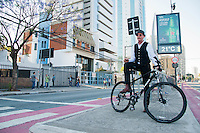 SÃO PAULO-SP-30,10,2014-PEDALADA COM GARY FISHER - O Cicliativista Gary Fisher durante ponto de encontro para pedalada até o centro.Local:Centro Cultural São Paulo - Região sul da cidade de São Paulo,na manhã dessa quinta-feira,30 (Foto:Kevin David/Brazil Photo Press)