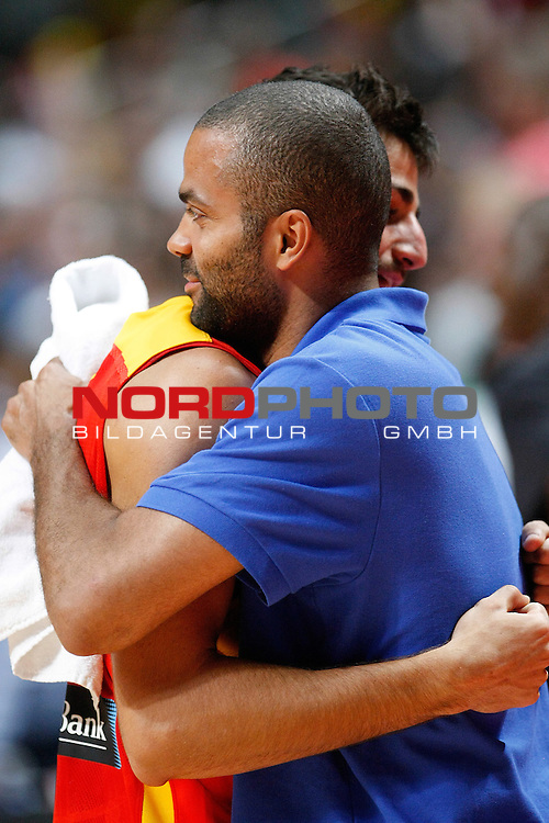Spain's Ricky Rubio (l) and France's Tony Parker during friendly match.August 23,2012. Foto © nph / Acero)