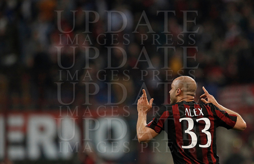 Calcio, Serie A: Milan vs Juventus. Milano, stadio San Siro, 9 aprile 2016. <br /> AC Milan's Alex celebrates after scoring during the Italian Serie A football match between AC Milan and Juventus at Milan's San Siro stadium, 9 April 2016.<br /> UPDATE IMAGES PRESS/Isabella Bonotto