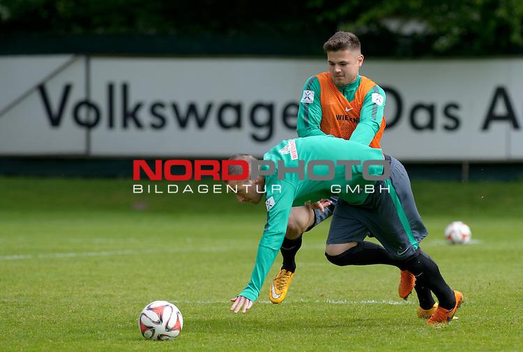 14.05.2015, Trainingsgelaende, Bremen, GER, 1.FBL, Training Werder Bremen, im Bild Marnon Busch (Bremen #38), Luca Caldirola (Bremen #3)<br /> <br /> Foto &copy; nordphoto / Frisch