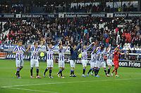 VOETBAL: HEERENVEEN: Abe Lenstra Stadion, 21-10-2012, SC Heerenveen - FC Groningen, Einduitslag 3-0, spelers van SC Heerenveen bedanken na afloop van de noordelijke derby het publiek, ©foto Martin de Jong
