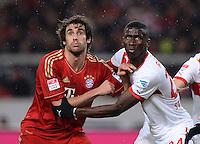 FUSSBALL   1. BUNDESLIGA  SAISON 2012/2013   19. Spieltag   VfB Stuttgart  - FC Bayern Muenchen      27.01.2013 Javi Martinez (FC Bayern Muenchen) gegen Antonio Ruediger (re, VfB Stuttgart)