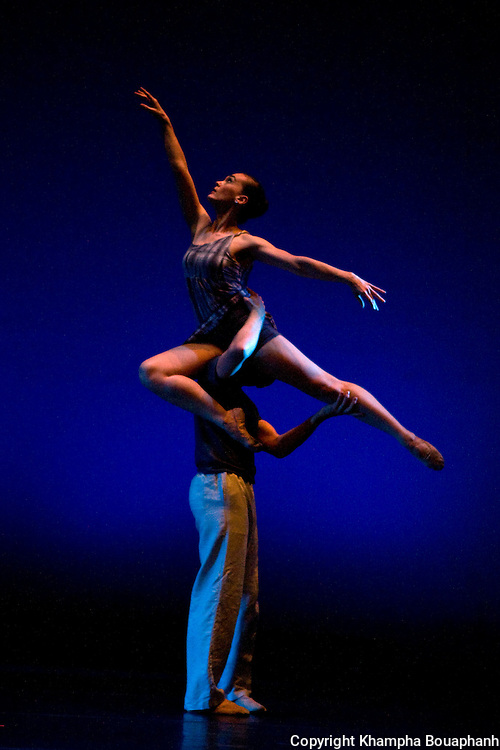Texas Dance Theatre's Emily Hunter and Dan Westfield perform Dreamers at Scott Theater in Fort Worth on April 30, 2010.  (photo by Khampha Bouaphanh)