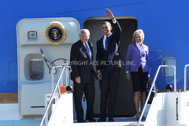 WWW.ACEPIXS.COM . . . . . ....September 21 2009, New York City....President Barack Obama lands in Air Force One on the way to speak at Hudson Valley Community College on September 21, 2009 in Troy, New York.........Please byline: KRISTIN CALLAHAN - ACEPIXS.COM.. . . . . . ..Ace Pictures, Inc:  ..tel: (212) 243 8787 or (646) 769 0430..e-mail: info@acepixs.com..web: http://www.acepixs.com