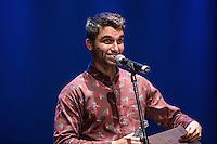 SAO PAULO, SP, 12 DE MARÇO DE 2013. PREMIO APCA.A cantor Silva  recebe o premio de cantor de 2012  da  Associação Paulista dos Criticos de arte . O evento da 57 edição do prêmio dos Melhores do ano da APCA aconteceu na noite desta segunda feira no Teatro  Paulo Autran no Sesc Pinheiros. FOTO ADRIANA SPACA/BRAZIL PHOTO PRESS