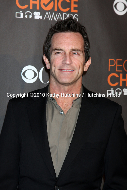 Jeff Probst.arriving  at the 2010 People's Choice Awards.Nokia Theater.January 6, 2010.©2010 Kathy Hutchins / Hutchins Photo.