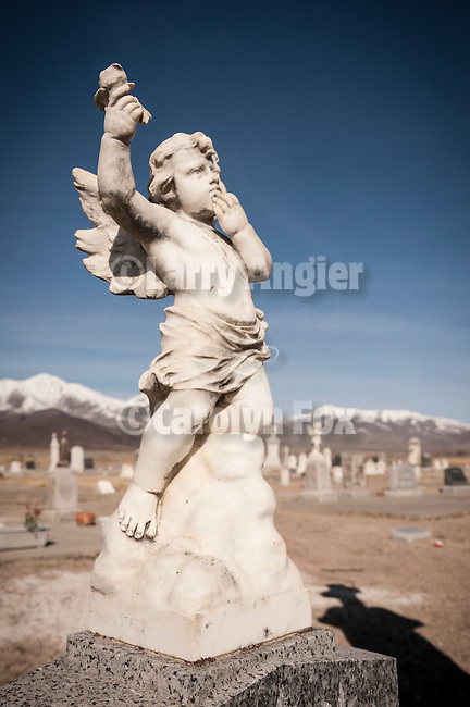 Angel statue headstones, Paradise Valley Cemetery, Nev.
