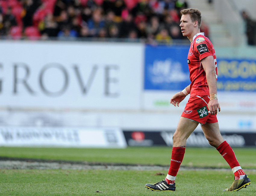 Scarlets' Liam Williams in action during todays match<br /> <br /> Photographer Ian Cook/CameraSport<br /> <br /> Rugby Union - Guinness PRO12 Round 20 - Scarlets v Glasgow Warriors - Saturday 16th April 2016 - Parc y Scarlets - Llanelli <br /> <br /> &copy; CameraSport - 43 Linden Ave. Countesthorpe. Leicester. England. LE8 5PG - Tel: +44 (0) 116 277 4147 - admin@camerasport.com - www.camerasport.com