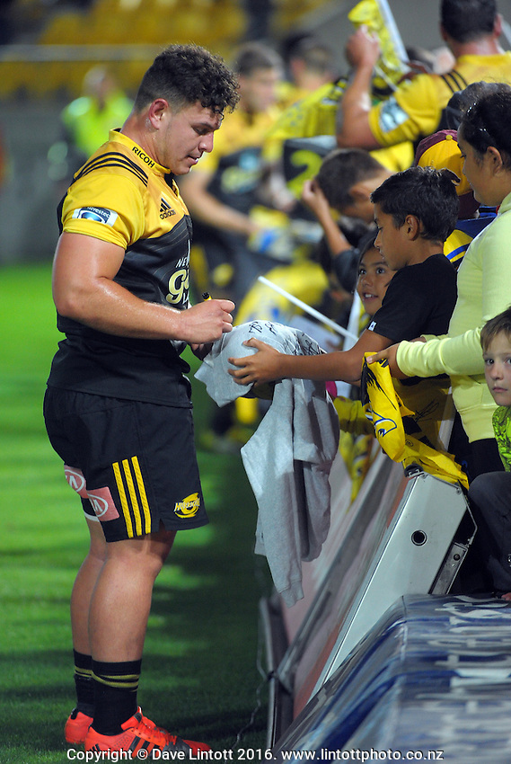 Ricky Riccatelli signs autographs after the Super Rugby match between the Hurricanes and Southern Kings at Westpac Stadium, Wellington, New Zealand on Friday, 25 March 2016. Photo: Dave Lintott / lintottphoto.co.nz