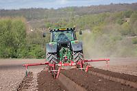 Using a Grimme bedforma for potatoes - Nottinghamshire, April