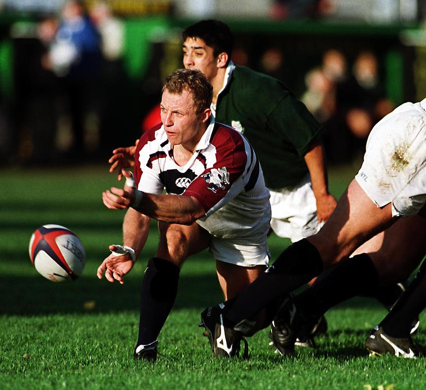 Photo. Richard Lane.London Irish v Swansea. 17/10/98. Swansea scrum half, Rhodri Jones.