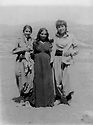 Iraq 1984 .Near Dokan, left, Soheila Ghassemlou, in the middle, the wife of a peshmerga and right, Rabihi, the wife of an officer of the Iraqi army.Irak 1984.Pres de Dokan, Soheila Ghassemlou A cote de Dokan, a gauche Soheila Ghassemlou avec au centre avec une femme d'un peshmerga et adroite, Rabihi ,femme d'un officier de l'armee irakienne